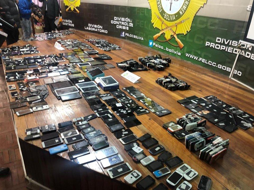 Decenas de celulares, billeteras y objetos de valor son robados cada día en La Paz / FELCC
