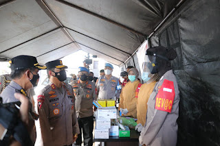 Kapolda Sulsel Tinjau Vaksinasi Drive Thru di Gerai Vaksin Presisi Polres Pelabuhan Makassar