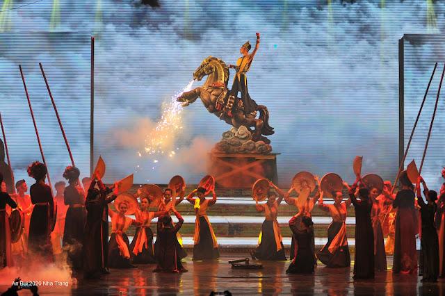 Show xiếc và múa Ducashow Nha Trang