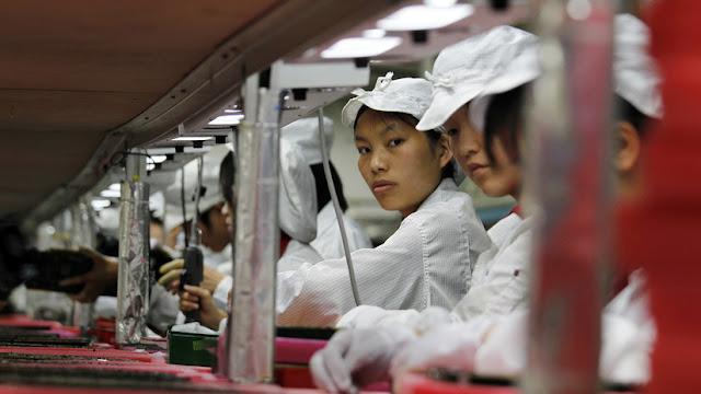 Apple sopesa trasladar hasta el 30 % de su manufactura fuera de China