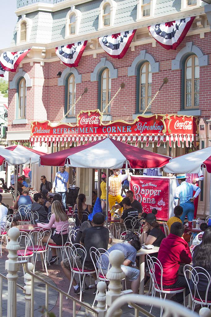 Disneyland Refreshment Corner - lunches and dates