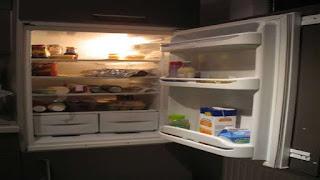 यदि बंद कमरे में फ्रिज को चालू करके फ्रिज का दरवाजा खोल दिया जाए तो क्या कमरा गर्म होता है?