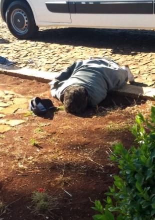 Laranjeiras: Homem é encontrado morto no pátio da Igreja Matriz