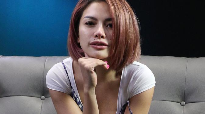 Nikita Mirzani Asli Padang