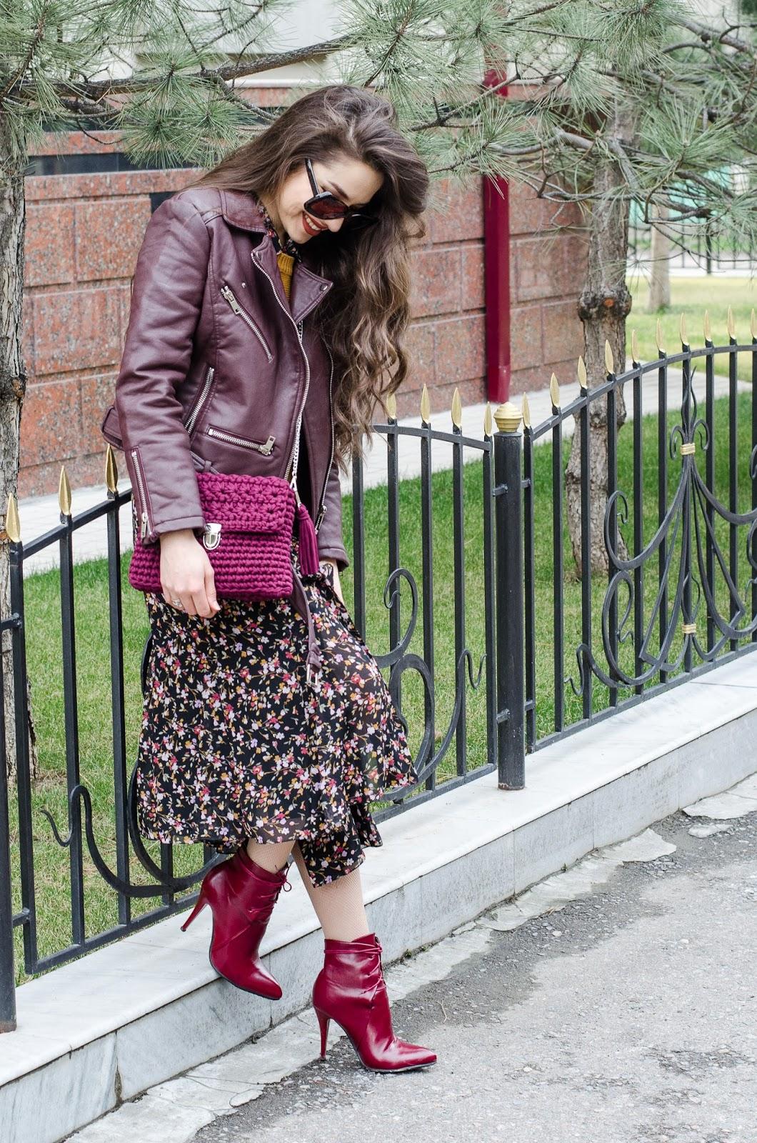 fashion blogger diyorasnotes floral dress leather byker jacket crochet bag 3 - CROCHET BAG AND FLORAL MIDI DRESS