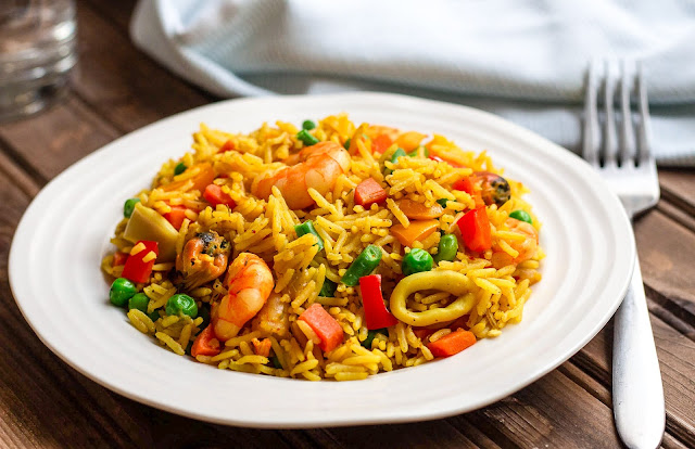 how to cook fried rice, nigerian fried rice, fried rice, how to prepare fried rice, how to make fried rice, ingredients for fried rice, fried rice ingredients