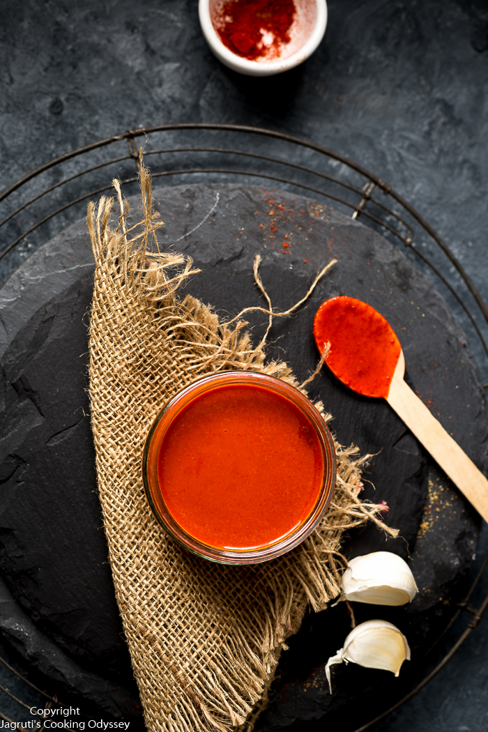 This red garlic garlic chutney is specially for Indian chaats, made with only two ingredients garlic and red chilli powder.