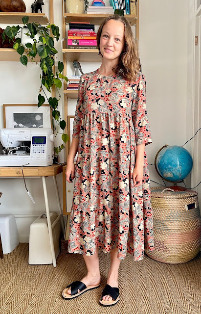 Diary of a Chain Stitcher: Fibre Mood Mira Dress in Fabric Godmother Jackie Vintage Viscose Lawn
