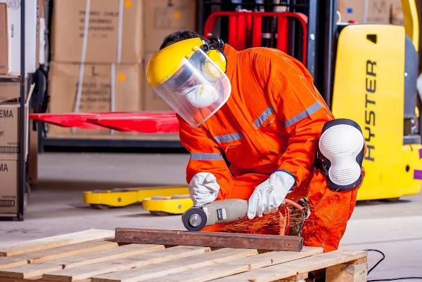 El Gobierno lanzará créditos no bancarios para que los trabajadores compren herramientas