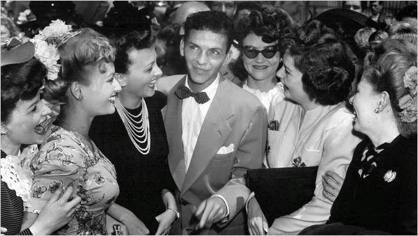 young Frank Sinatra crowds of fans