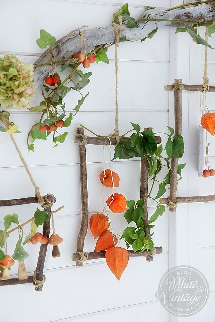 Aus Lampionblumen, Efeu, Zierapfel und Hortensienblüten Herbstdeko basteln