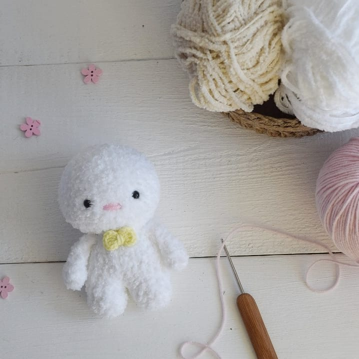 Crochet bunny free amigurumi pattern