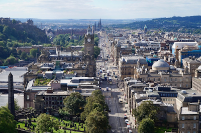 This beautiful Scottish city is called ________. (image)
