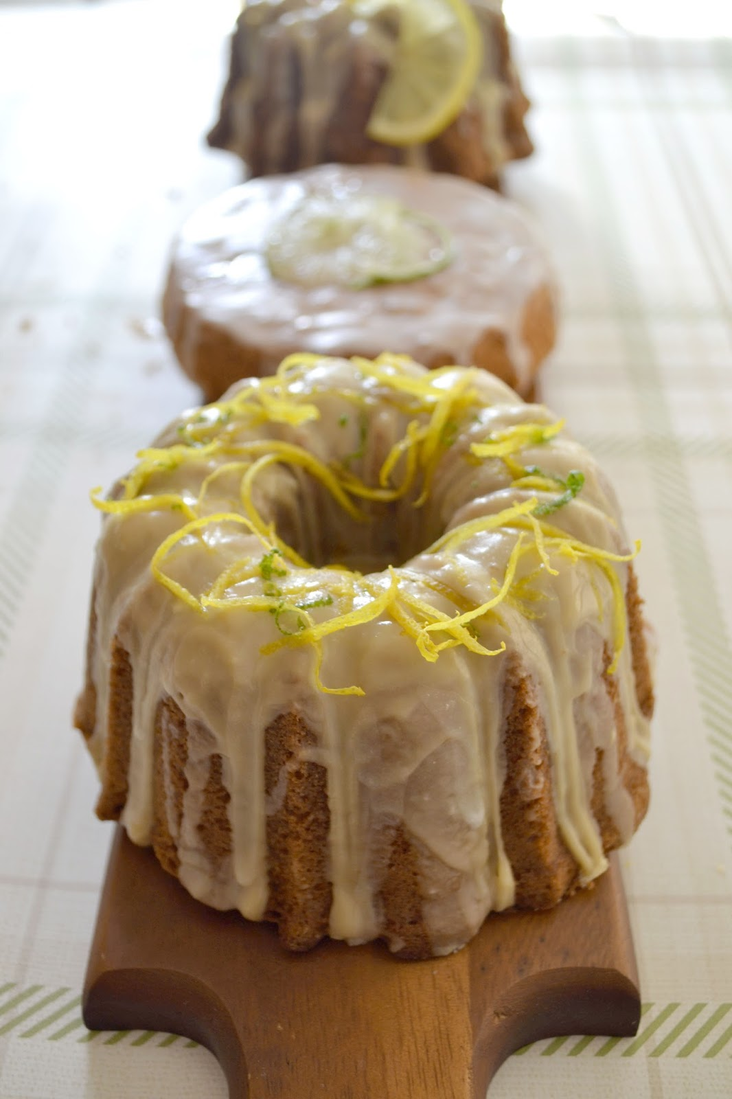 How To Decorate A Lemon Drizzle Cake
