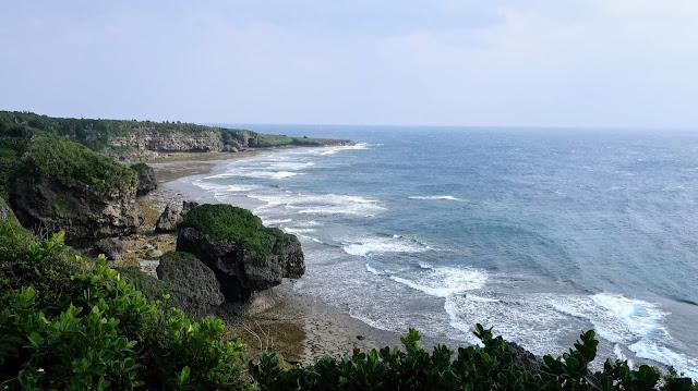 沖縄 喜屋武岬 平和の塔