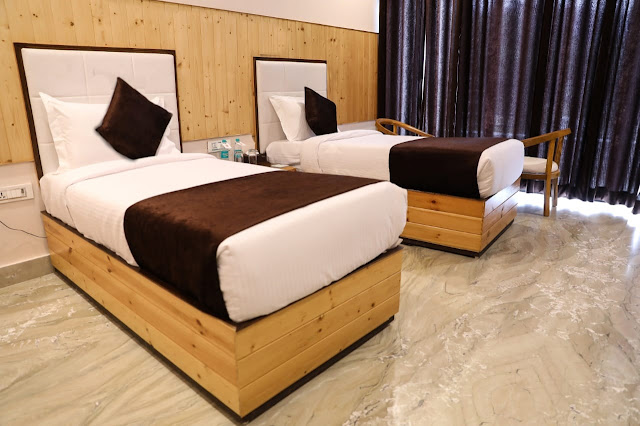 Hotel Corbett Paradise Single Twin Bedroom