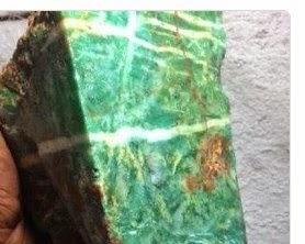 Batu Bacan Aceh atau Giok Pirus