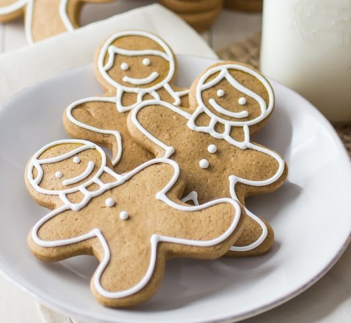 Gingerbread Cookies that Don't Spread in the Oven #holidayrecipe #dessert