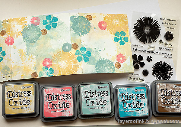 Layers of ink - Floral Folio Tutorial by Anna-Karin Evaldsson. Stamp with Simon Says Stamp Anna's Flowers.