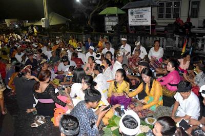 Upacara Cak Cakan di Desa Sambirenteng