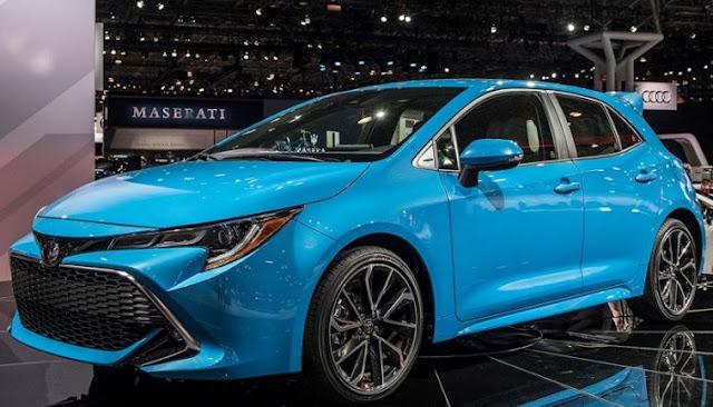 2019-Toyota-Corolla-Hatchback-blue