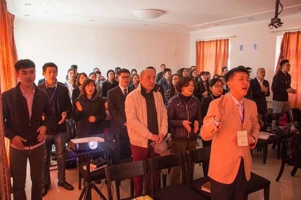 Polícia secretamente instalou câmeras de segurança para monitorar a igreja na China