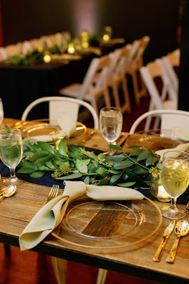 reception table greenery and napkin
