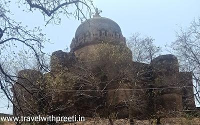 महाराजा छत्रसाल की समाधि  छतरपुर - Maharaja Chhatrasal ki samadhi Chhatarpur