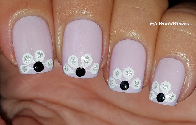 Life World Women Elegant Pastel Purple Flower Nail Art Design Using