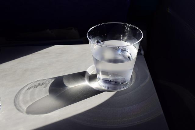 7 Manfaat Utama Minum Air Hangat Bagi Kesehatan