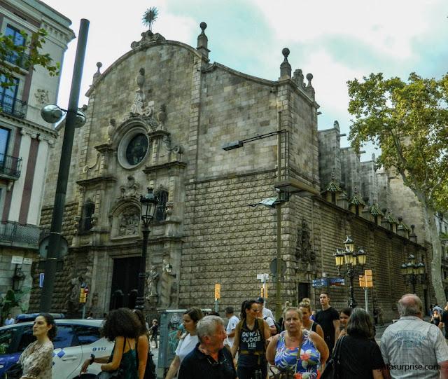 Igreja de Belém nas Ramblas de Barcelona