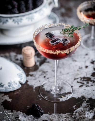 BLACKBERRY AND THYME FIZZ