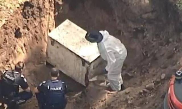 Πανικός: Ξέθαψαν ψυγείο από την αυλή του – Οι αποκαλύψεις που ΣΟΚΑΡΑΝ