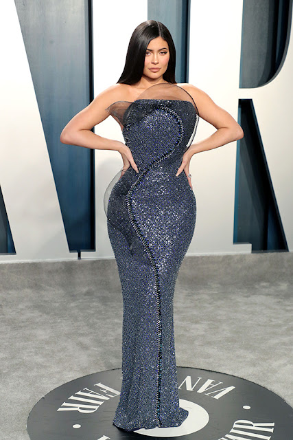 Kylie Jenner Sparkles In Strapless BeadedGown At Her 1st VF Oscars Party — Pics