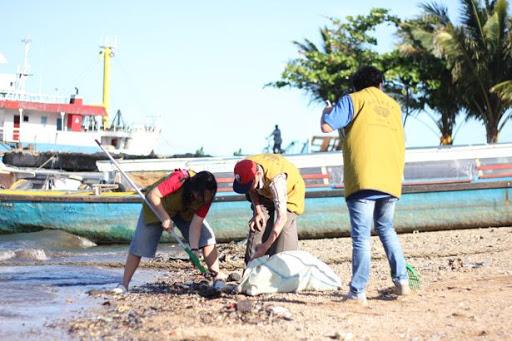 pentingnya menjaga kebersihan pantai
