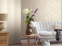 Wandgestaltung Wohnzimmer Bordeaux