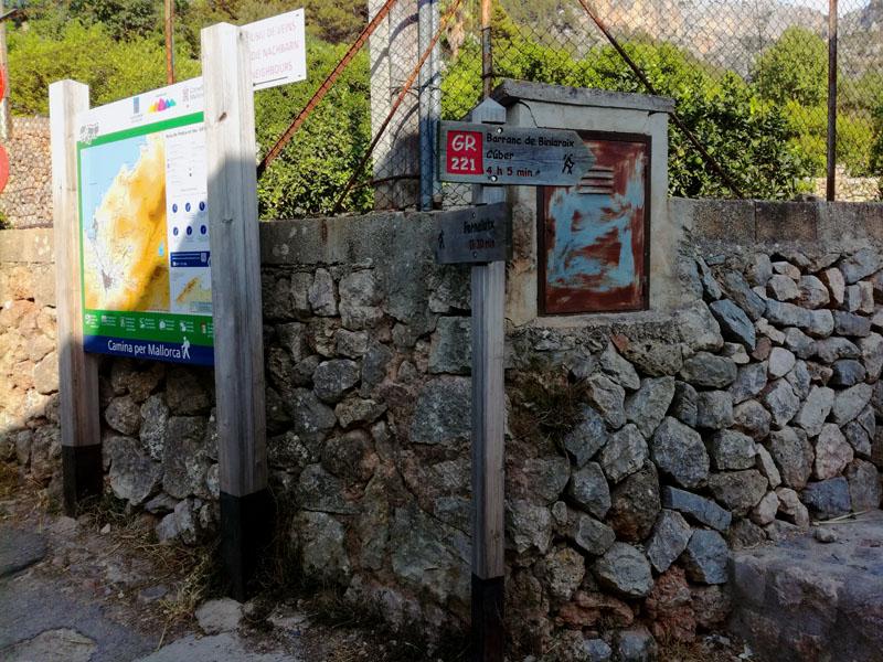 Partenza del trekking lungo El Barranc de Biniaraix