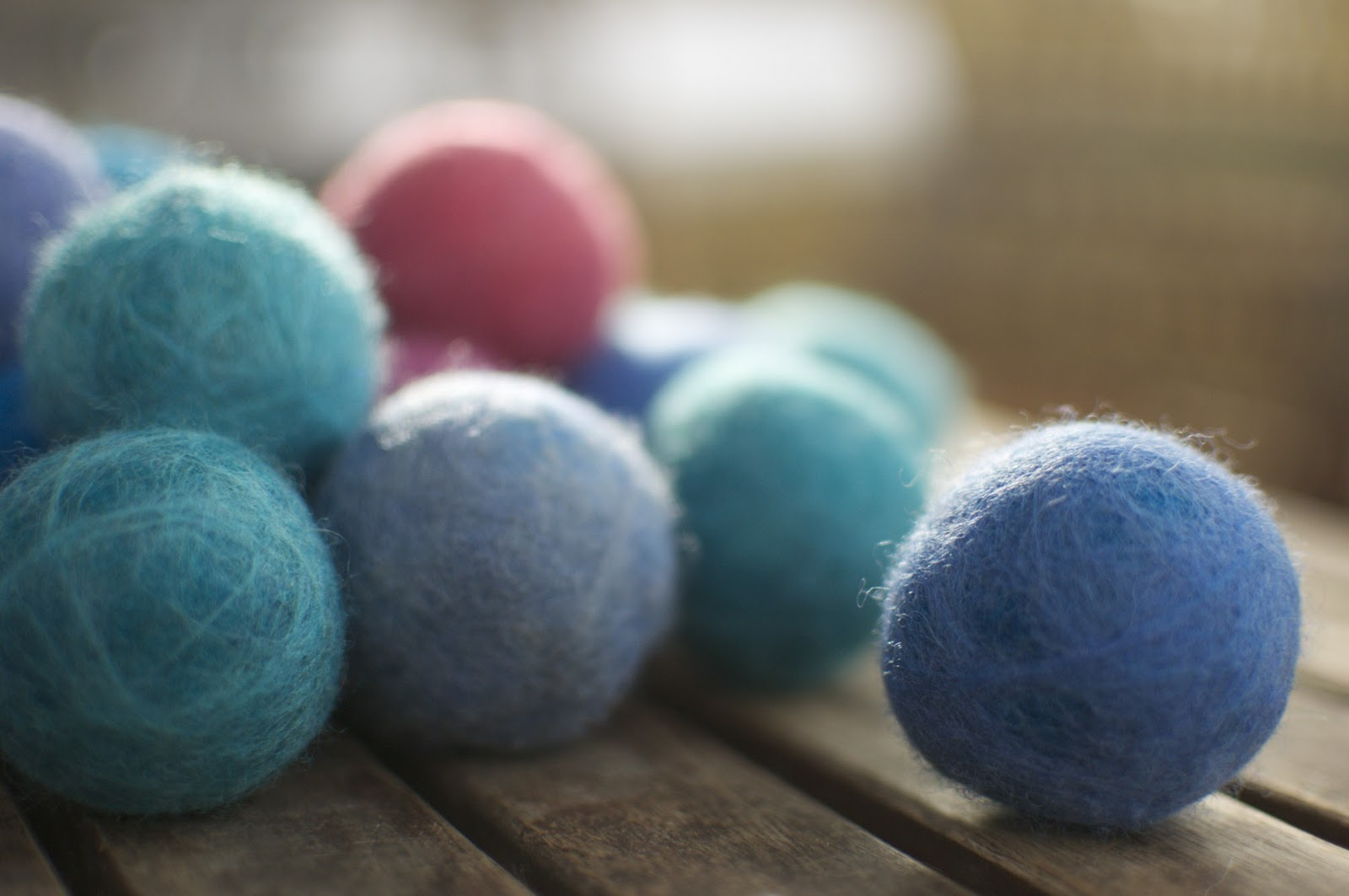 Filzkugeln Herstellen Diy Felted Wool Balls For Busy Toddlers