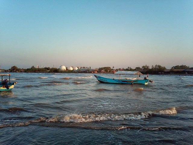 Pantai Balongan Indah