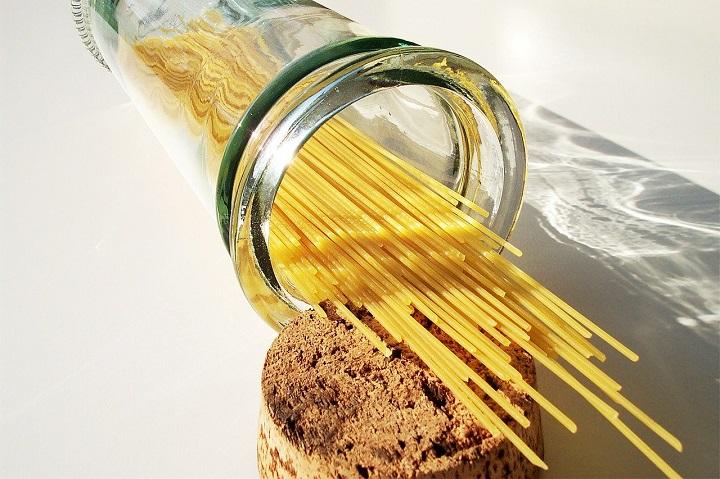 raw spaghetti in a jar