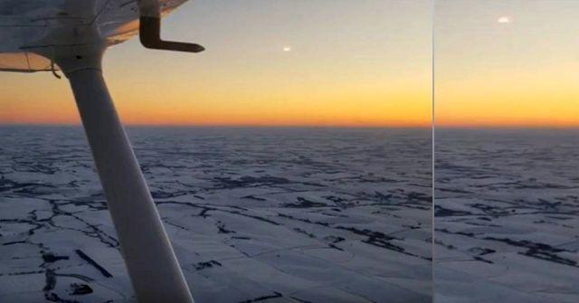 UFO News ~ Bright UFO flying towards Cessna during Flight over Nebraska plus MORE Bright%2BUFO%2BCessna%2BNebraska