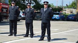 Trei pompieri cu o vechime de peste 26 de ani de carieră au ieșit la pensie