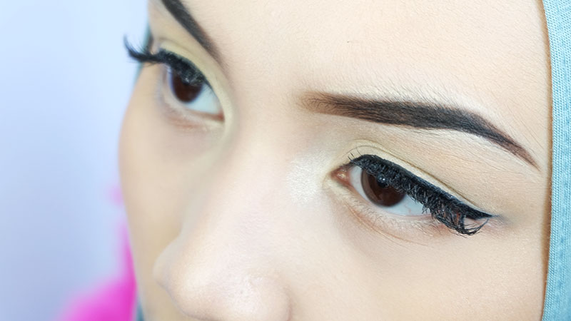 Bash Harry, Bruneian Beauty Blogger teaches you how to do The Perfect Brow in this tutorial and Eyebrow Routine