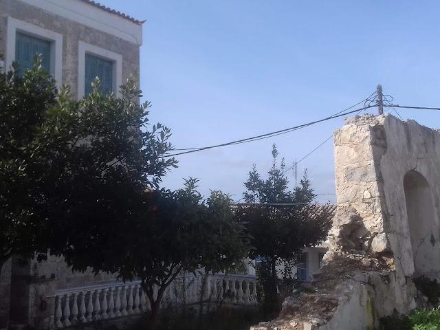 Δυνατή Ερμιονίδα: Παραδοσιακά και Ιστορικά Κτίρια ρημάζουν, επί θητείας σας κύριε Σφυρή !!!