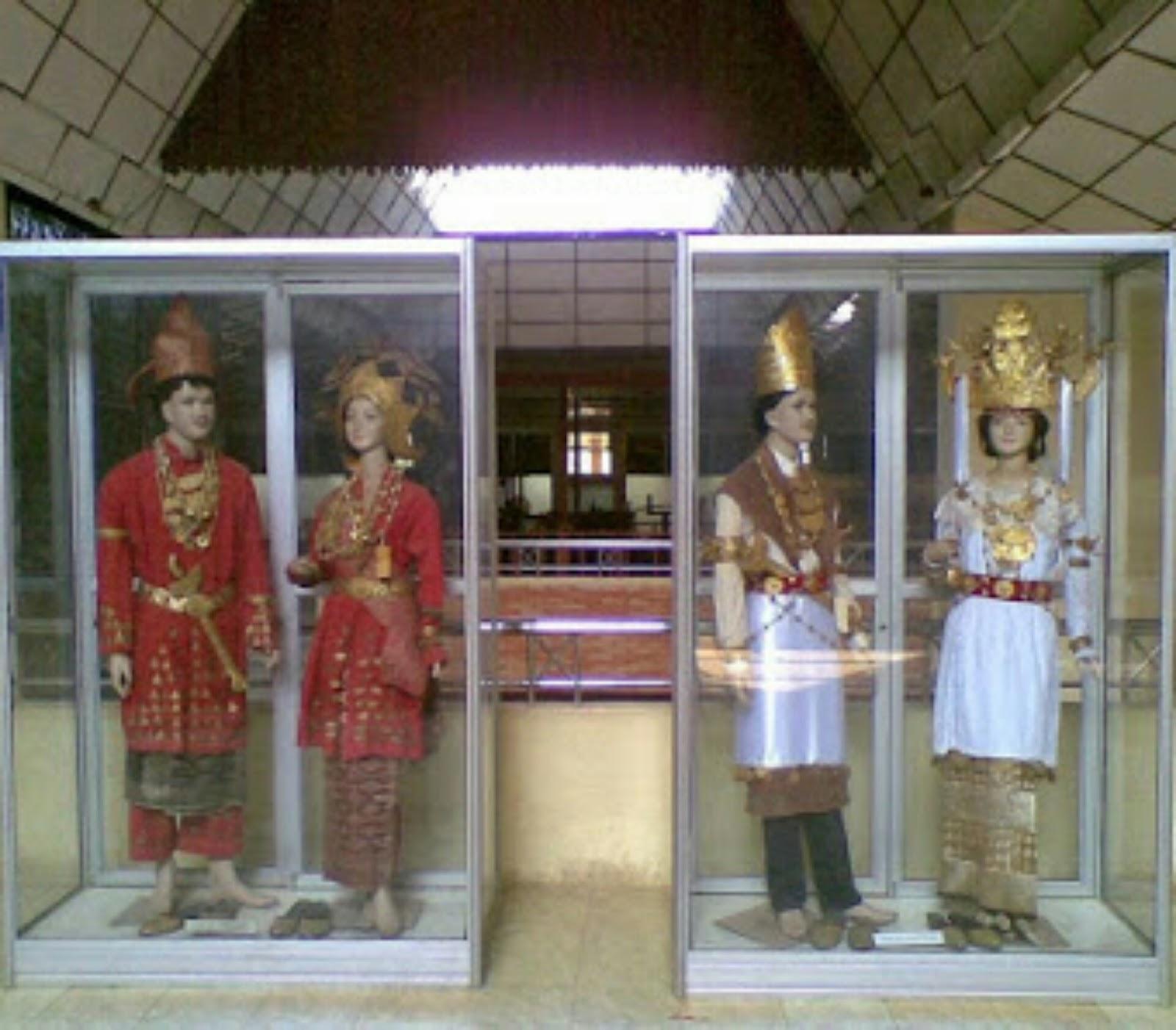 Pakaian Adat Lampung Timur