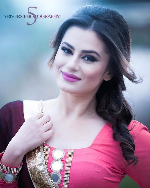 Mehak-Dhillon-Hot-sexy-pics