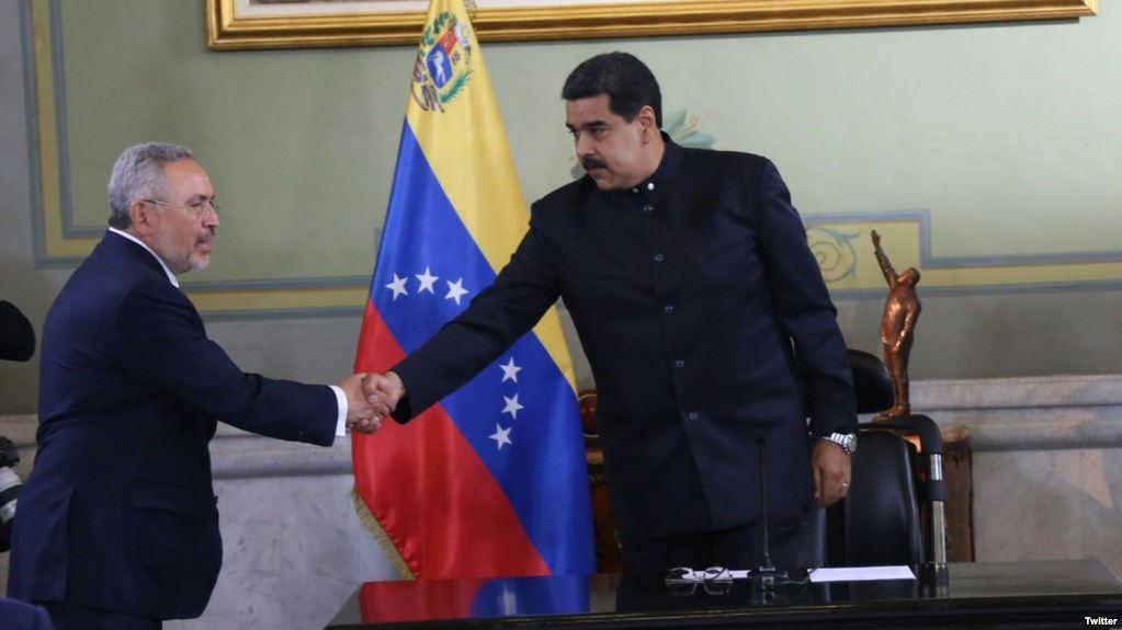 Maduro logra un acuerdo con EEUU a pocas horas del plebiscito político opositor