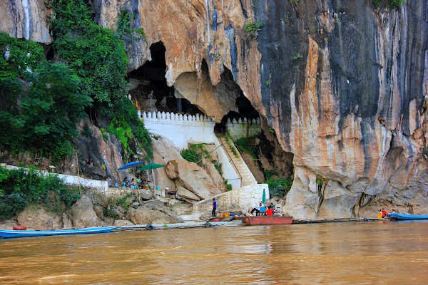 Pak Ou Caves em Luang Prabang