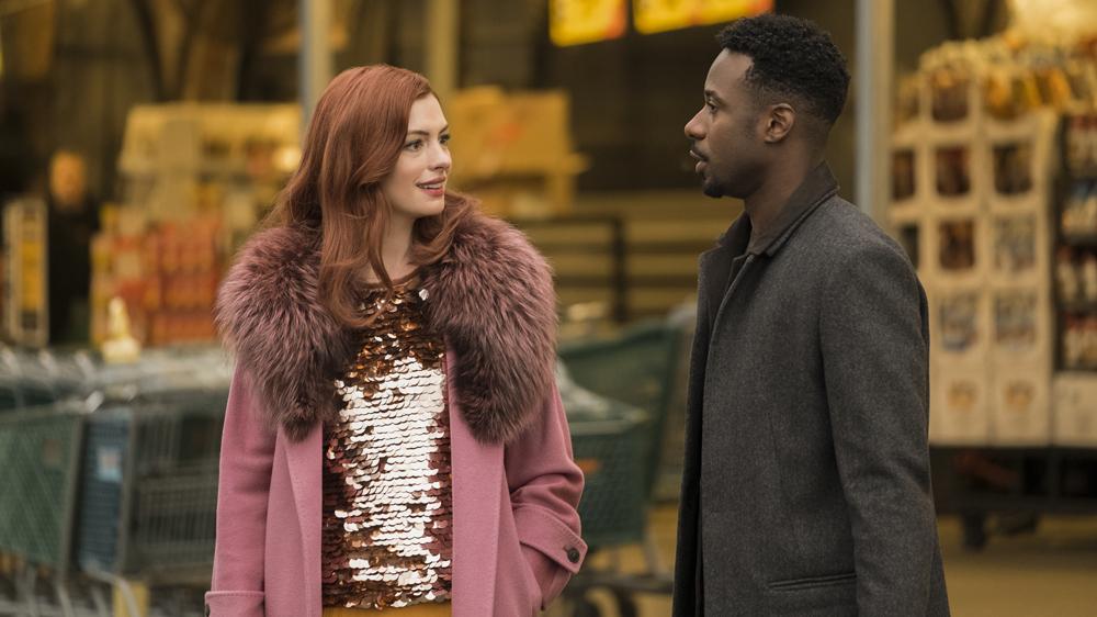 Anne Hathaway y Gary Carr en tercer capítulo de 'Modern Love'