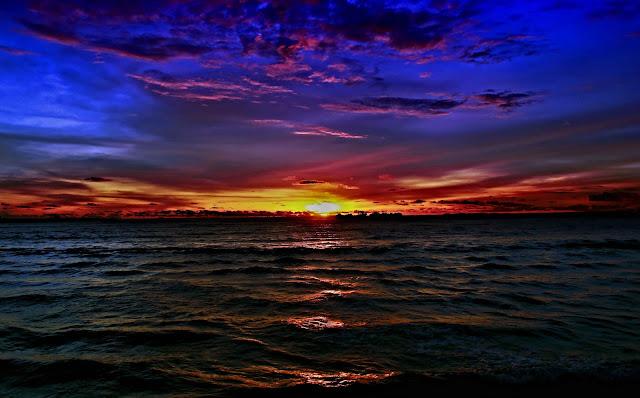 Kebumen Semok 3: Pantai Ayah, Sunsetnya Keren Juga Loooh. Nggak Kalah Dibanding Bali!
